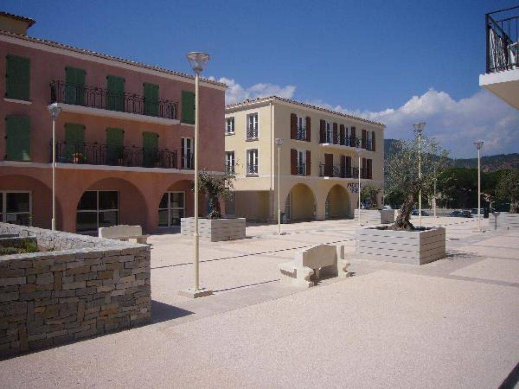 Location de villas par l 39 agence immobili re ottonello for Maison a louer par agence immobiliere
