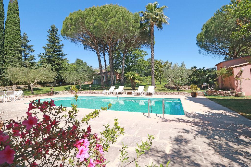 Vente achat maison villa roquebrune sur argens 83520 for Piscine 20000 euros