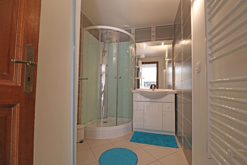 Vente achat appartement roquebrune s a 83520 for Chambre 7m2 habitable