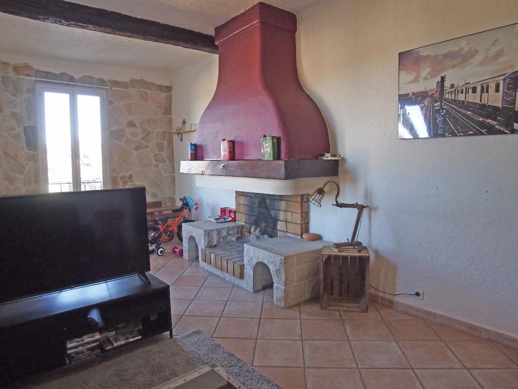 vente achat appartement roquebrune sur argens 83520. Black Bedroom Furniture Sets. Home Design Ideas