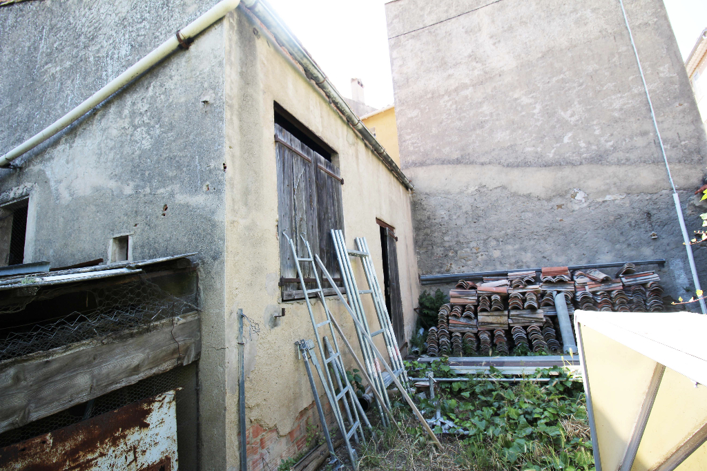 Maison-Villa - ROQUEBRUNE SUR ARGENS