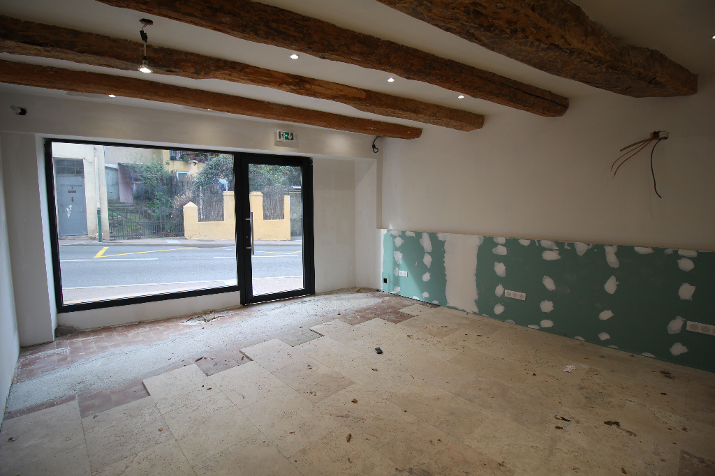 Local Commercial - ROQUEBRUNE SUR ARGENS